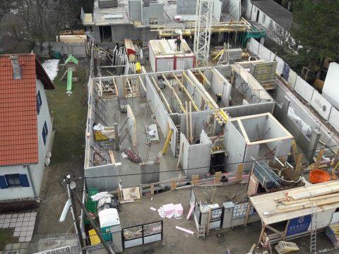 Weitläufige Wohnhausanlage in Wien, Lohwaggasse von Steirisches Handwerk geplant und umgesetzt